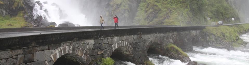 Норвегия на автомобиле. День 8. Церкви и водопады. Roldal, Lofthus, Kinsarvik.